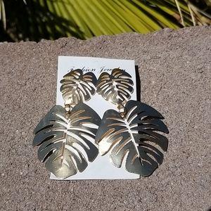 Fashion retro earrings